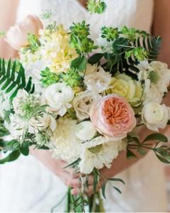 Blupurum, ranunculus, garden roses